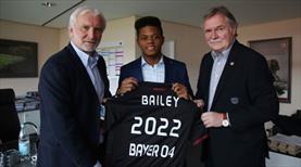 Leon Bailey Bayer Leverkusen'de