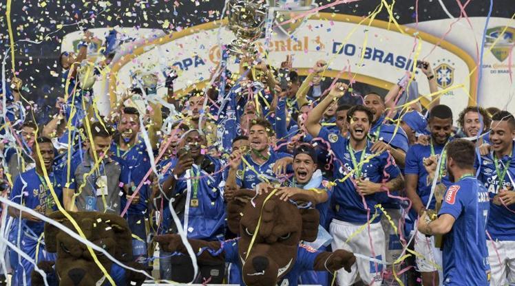 Diego penaltıyı kaçırdı, kupa Cruzeiro'nun oldu