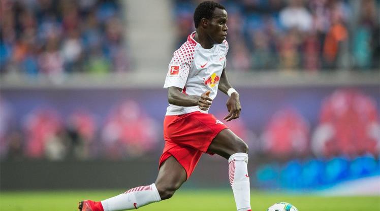 Bruma attı, Leipzig Schalke'yi dağıttı