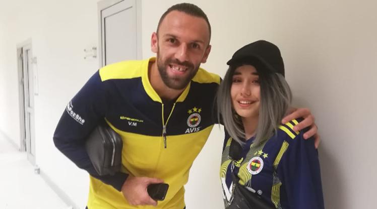 Fenerbahçeli futbolcular, İrem'in hayalini gerçekleştirdi