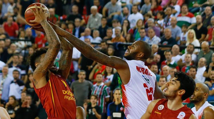 Karşıyaka Galatasaray'ı parçaladı
