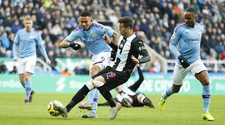 City kaçtı, Newcastle yakaladı