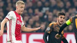 Ajax şokta, Valencia son 16'da (ÖZET)