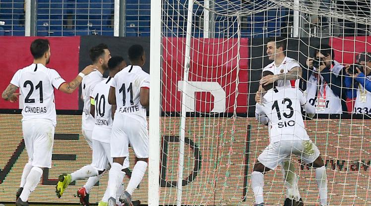 Sio ve Stancu'dan 17 gol