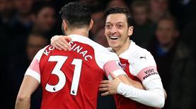 Mesut'un gecesinde Arsenal gol oldu yağdı: 5-1 (ÖZET)