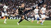 Ajax'a avantajı getiren gol Van de Beek'den