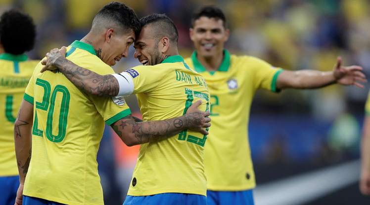 Brezilya Peru'yu dağıttı