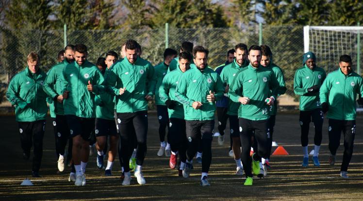 İH Konyaspor, Antalyaspor'a 2 eksikle çalıştı