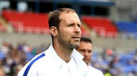 Cech, yeniden Chelsea kadrosunda