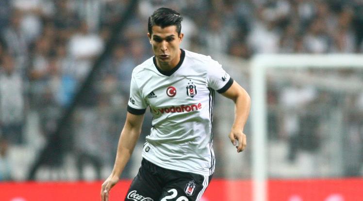 Beşiktaş'ta Necip Uysal kadrodan çıkarıldı