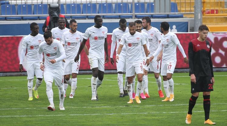 DG Sivasspor'un deplasmanda bileği bükülmüyor