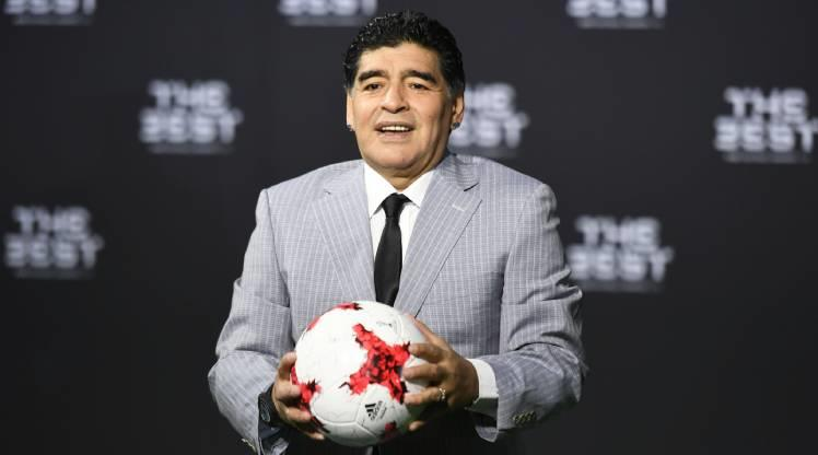 Maradona için saygı duruşu kararı