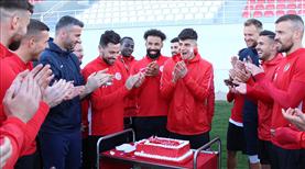 FTA Antalyaspor idmanında doğum günü kutlaması