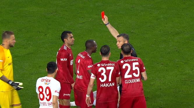 Kırmızı kart: Marcelo Goiano
