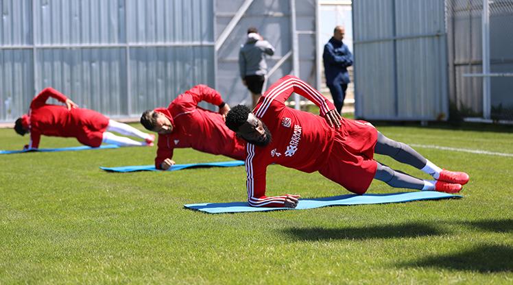 DG Sivasspor lige hazırlanıyor