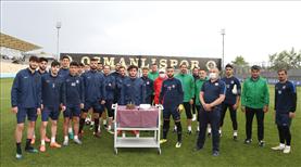 Osmanlıspor antrenmanında kutlama