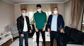 Trabzon'un genç kalecisi ameliyat oldu