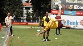 Galatasaray ayak tenisi oynadı