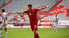 Bayern kazandı, Lewa tarihe geçti