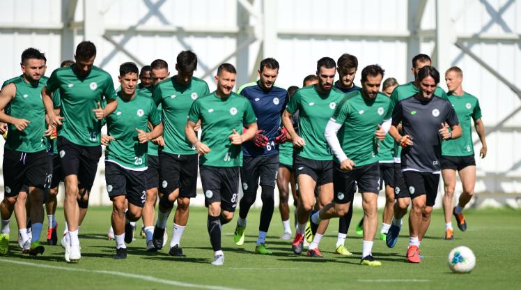 Konyaspor maç saatini bekliyor