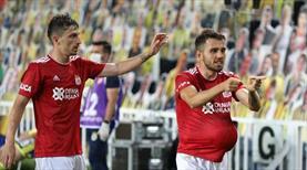 Demir Grup Sivasspor'da çifte ayrılık