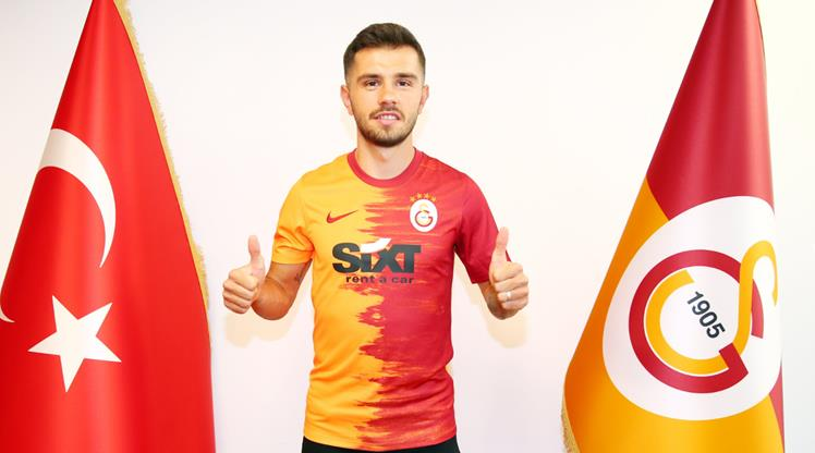 Galatasaray Emre Kılınç'ı KAP'a bildirdi