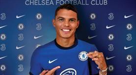 Thiago Silva resmen Chelsea'de