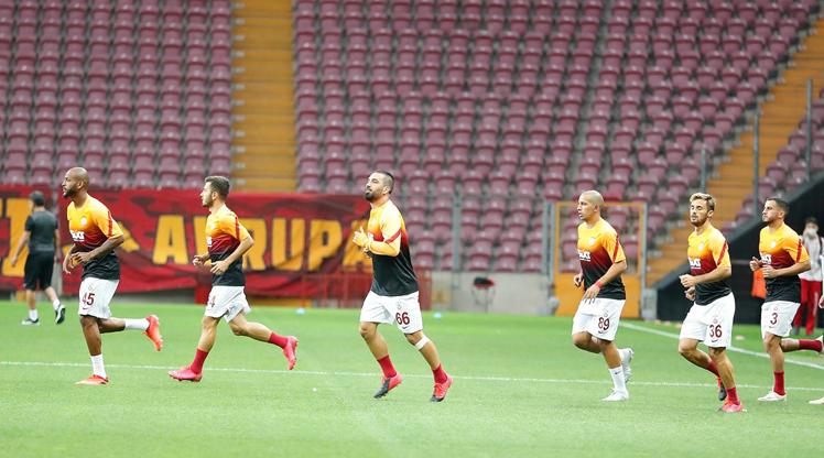 Arda Turan, 3403 gün sonra Galatasaray formasını giydi