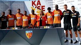 Kayserispor'da toplu imza töreni