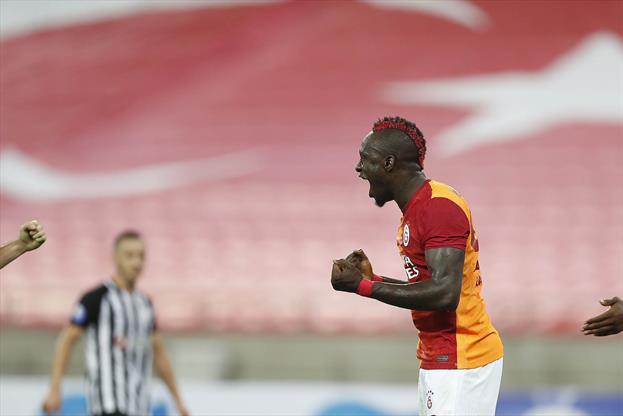Galatasaray, Bakü'den turla döndü