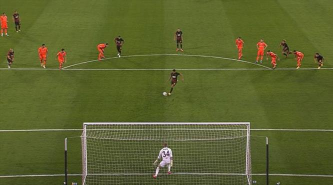 VİDEO   Falcao penaltıdan attı