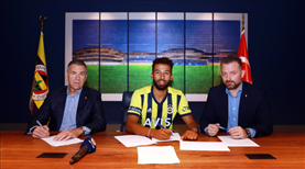 Fenerbahçe, Nazım ile imzaladı