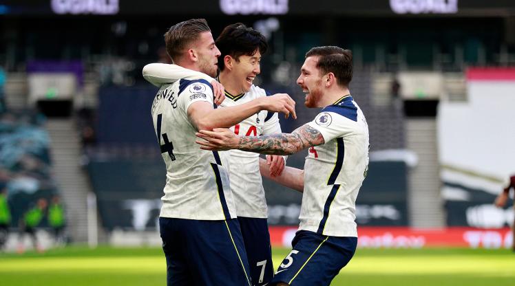 Tottenham 3 puanı 3 golle aldı