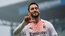 Hakan, İtalya'da ayın futbolcusu seçildi