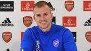 Arsenal, Holding'in sözleşmesini uzattı