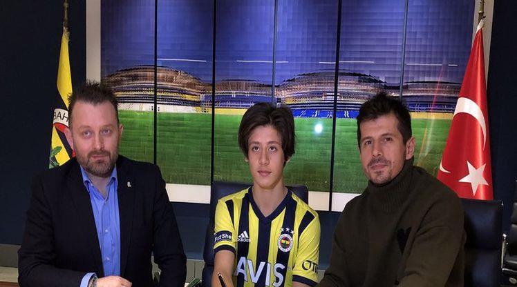 Fenerbahçe, altyapıdan Arda Güler ile sözleşme imzaladı