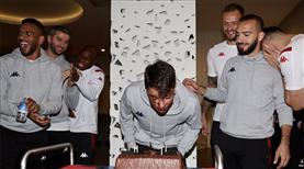 Adem Metin Türk'e doğum günü kutlaması