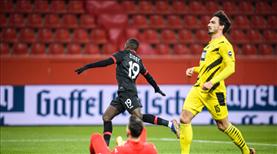 Dortmund, Leverkusen'e takıldı