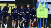 İZLE | Mesut Özil ilk antrenmanına çıktı