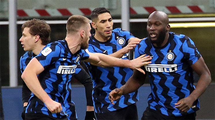 Milano derbisini kazanan Inter yarı finalde