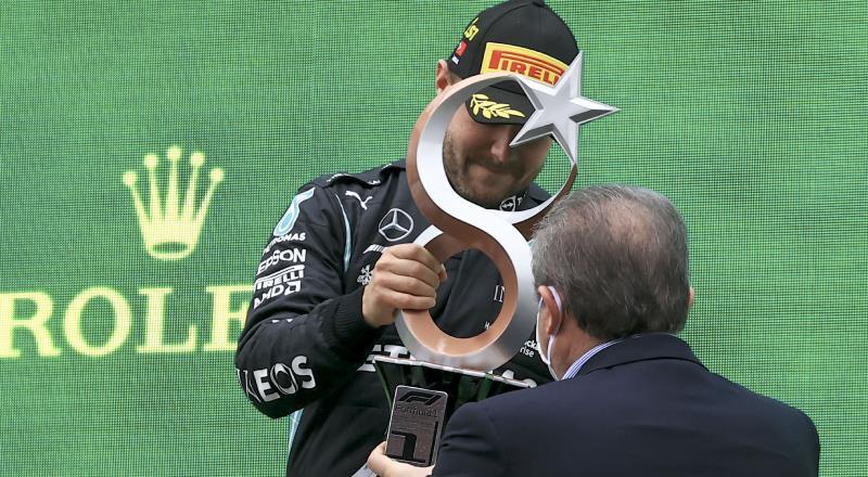 Bottas kupasını Şentop'tan aldı