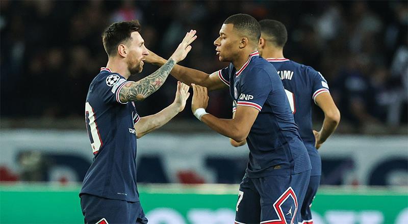 PSG, Messi ile geri döndü