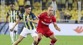 Fenerbahçe evinde beraberlikle yetindi: 2-2