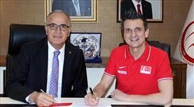 Guidetti'nin sözleşmesi 4 yıl uzatıldı