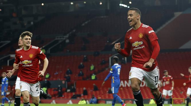 Manchester United geri döndü