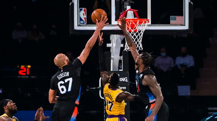 Knicks, Lakers'ı rahat geçti