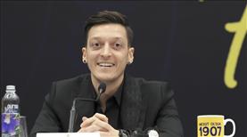 Mesut Özil'den Türk Kızılayına bağış