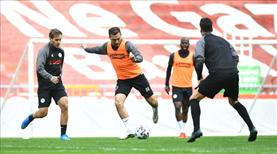 İH Konyaspor 4 eksikle çalıştı
