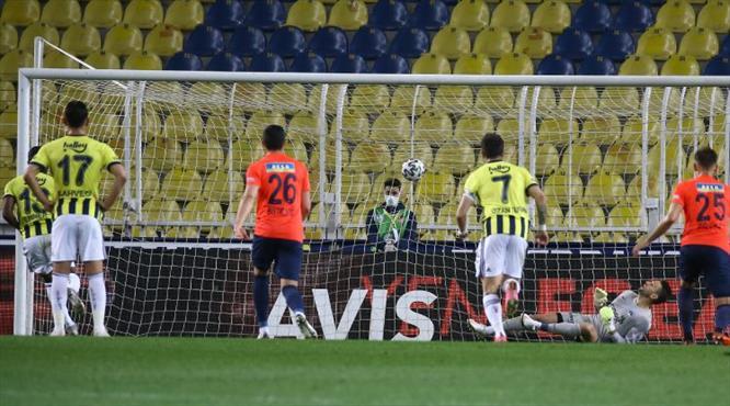 İZLE | Valencia bu kez penaltıdan attı