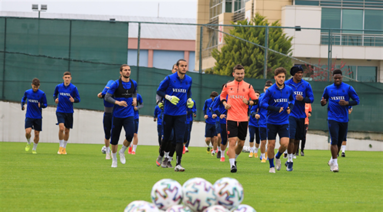Trabzonspor kafilesi, İzmir'e gitti